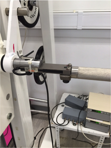 force sensor incorporated on a barbell